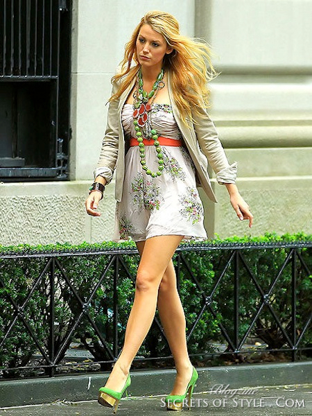 blake-lively-and-charlotte-olympia-dolly-pumps-gallery-WM