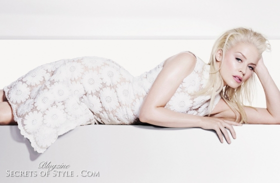 Kylie-Minogue-Elle-UK-January-2013-4